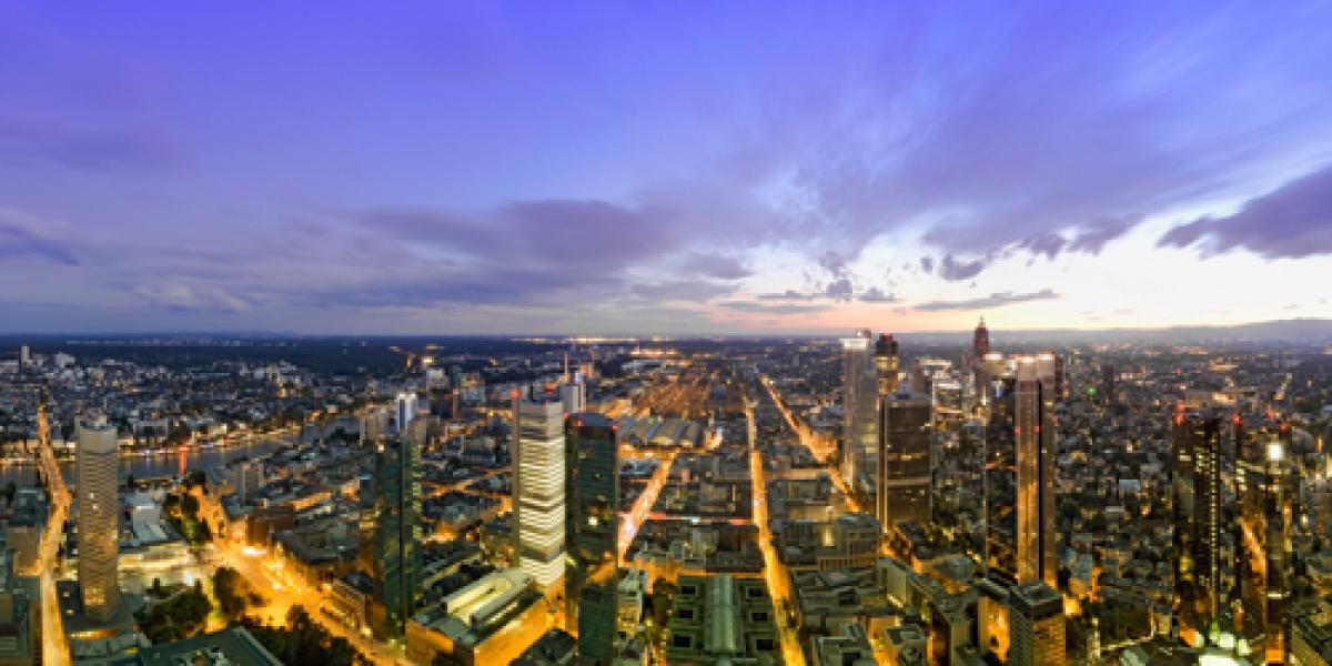 Frankfurt Panorama beleuchtet Panoramade