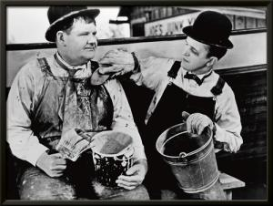 Laurel & Hardy - Towed in a Hole, 1936
