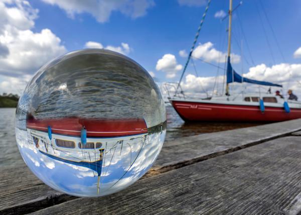 Kugelwelt Segelboot
