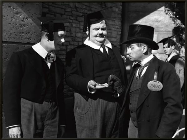 Laurel & Hardy - A Regular Scout 1926