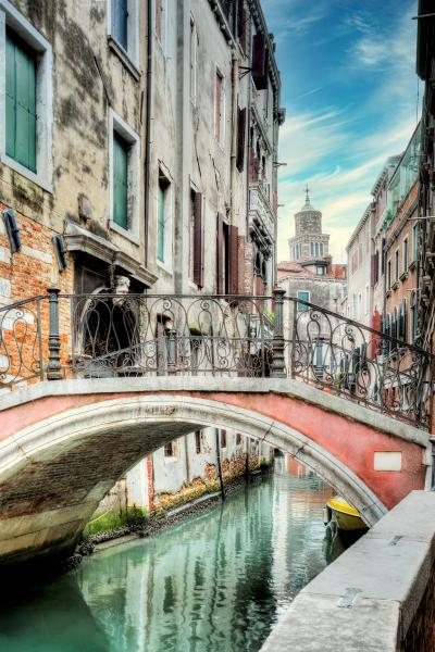 Venetian Canale 21